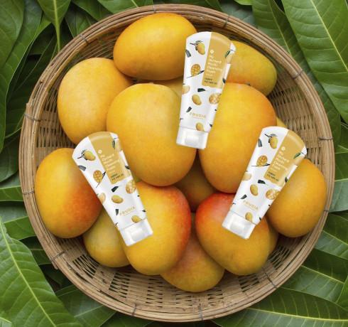 Очищающая пенка для лица с манго Frudia My Orchard Mango Mochi Cleansing Foam