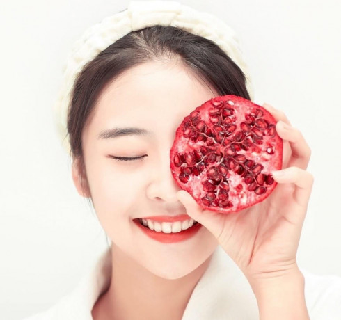 Питательная пенка-суфле с гранатом Frudia Pomegranate Nutri-Moisturizing Sticky Cleansing Foam