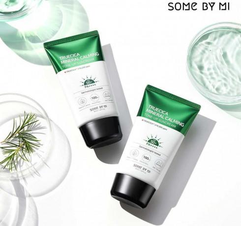 Солнцезащитный крем для ровного тона Some By Mi Truecica Mineral Calming Tone-Up Sunscreen 50 PA++++