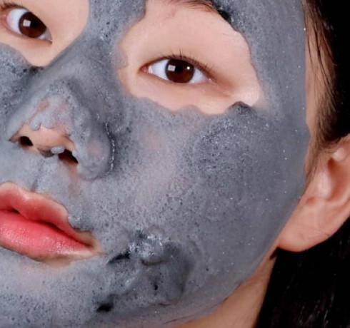 Кислородная маска от чёрных точек с древесным углём Some By Mi Charcoal BHA Pore Clay Bubble Mask